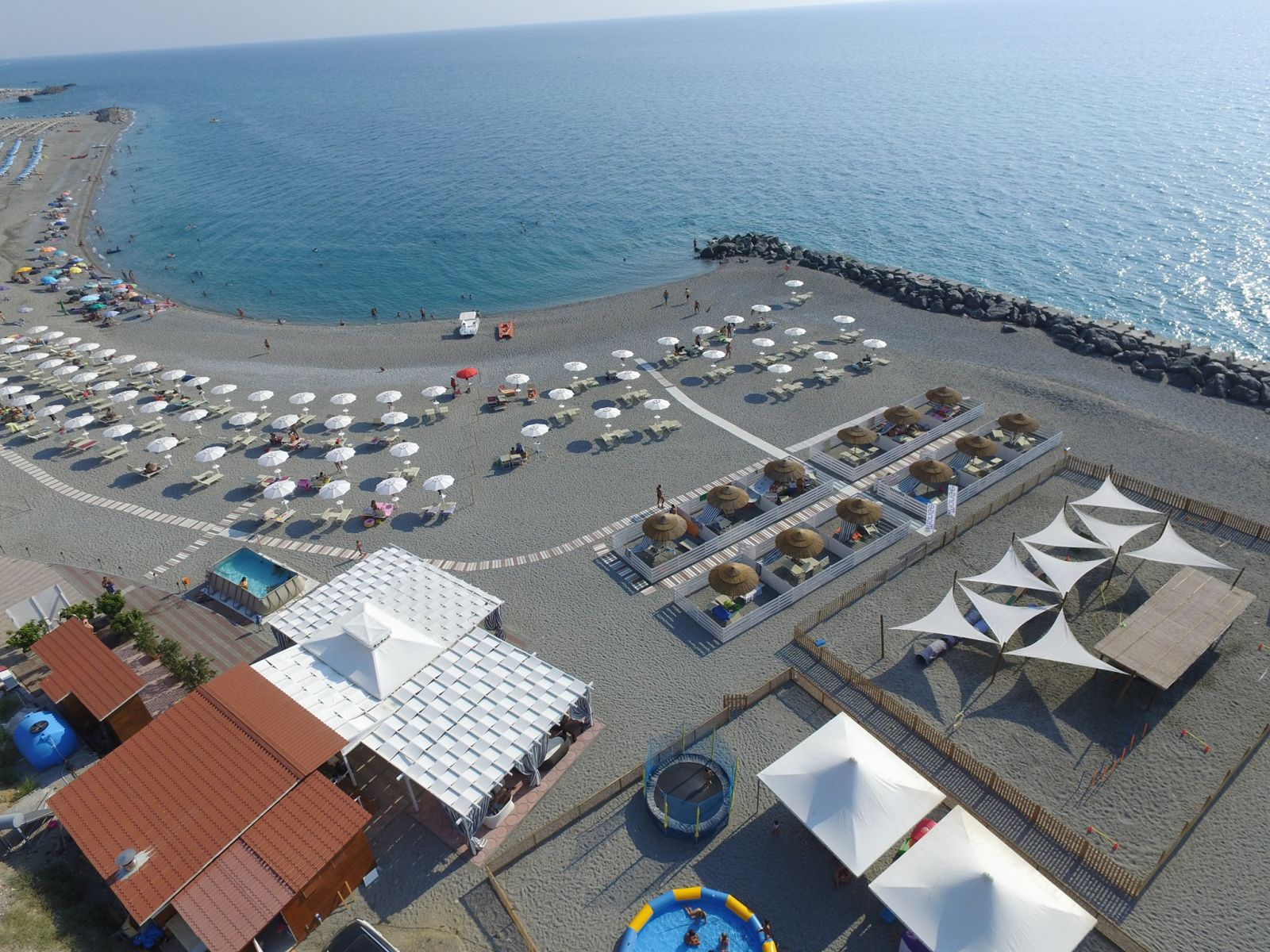 le migliori spiagge Pet Friendly d'Italia. Calabria, Amantea Pirate Dog Beach CS. Mypethotel